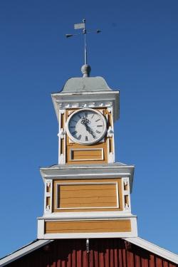 Kellotornista katsottiin ennen, koska on siianjaon aika. Kuva Jarno Niskala.